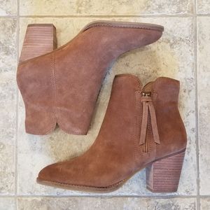 NWT FRYE & CO. LEATHER TAN COGNAC ANKLE BOOTIES